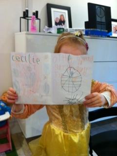 Cille's Valentines-kort til Far, Mor og Mille. En kæmpe edderkop i sit spind.