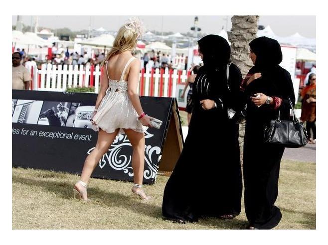 expats_vs_locals_Dubai